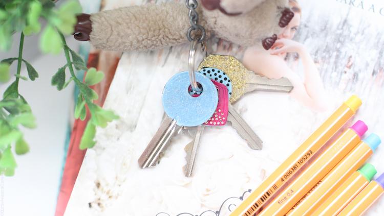 DIY-fazendo-chaves-personalizadas-usando-esmalte-fofas-artesanato-faça-você-mesma-borboletas-na-carteira-8